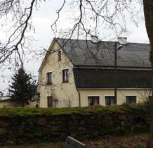 Barnisław-kamienny mur przy kościele