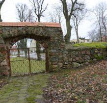 Barnisław-kościelna brama