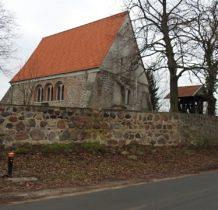 Będargowo-kościół z kwadr granitowych