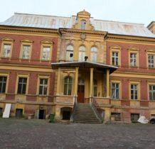 Karszno-pałac-fasada przednia
