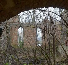 Karwowo-kościół zniszczony w czasie działań wojennych w 1945r