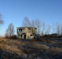 Podgrodzie-opuszczony budynek na Półwyspie Podgrodzkim