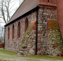 Wołczkowo- kamienne przypory kościoła