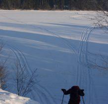by nie brnać w śniegu chodzimy po śladach kół
