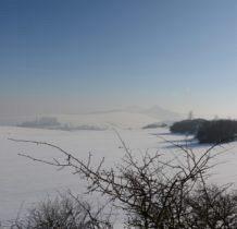 dalsza okolica ukryta we mgle