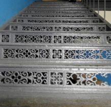Zawiercie-muzeum-żeliwne schody