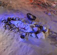 jeden z grobów