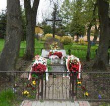 Poturzyn-mogiła zamordowanych przez nacjonalistów ukraińskich w 1944r