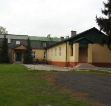 Malice-budynek szkoły zbudowany w 1936 roku