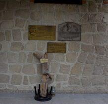 Dyniska-na kościelnym murze