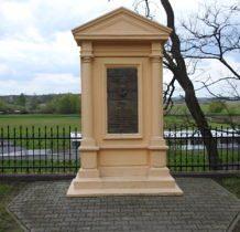 Hrubieszów-pomnik-tablica poświęcona Stanisławowi Staszicowi