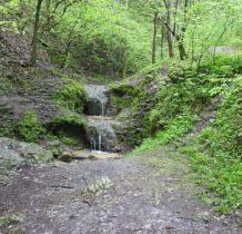 jeden z większych wodospadów na potoku