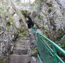 wykute kamienne schody