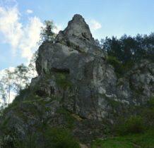 otaczaja na skały
