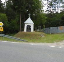 kolejna kapliczka przy drodze