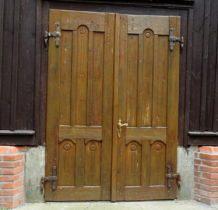 Brodnia- kościelne drzwi