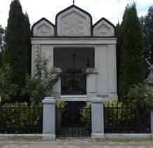 Zadzim- kaplica grobowa Bratków