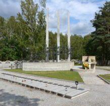 Glinno- miejscowy cmentarz z mogiłami 200 polskich żołnierzy