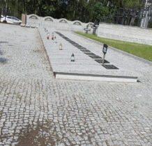 Glinno- na cmentarzu