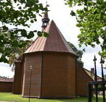 Pęczniew- drewniany kościół z 1761 roku