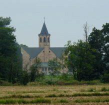 Spycimierz- ujęcie kościoła z daleka