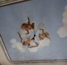 Stary Gostków- amorki w chmurach na suficie