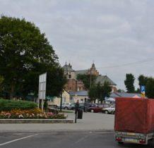 Szadek-widok na kościół z centrum