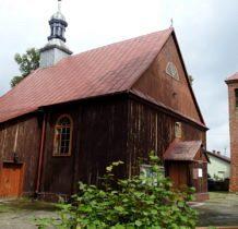 Tur- drewniany kościół z murowana dzwonnica