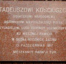 Tur- pamiatkowa tablica na kościele