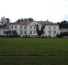 Wojsławice- pałac w całej okazałości