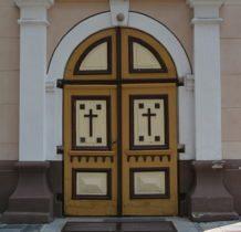 Zadzim- drzwi kościoła