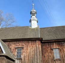 Chomentów- drewniany kościółek o konstrukcji zrebowej