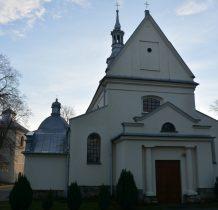 Imielno- kościół wymurowany z ciosów wapienia pińczowskiego