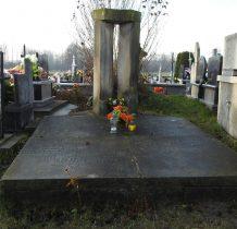 Imielno- grobowiec kamienny powstańców 1836 r