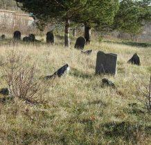 Sobków- cmentarz został zdewastowany w czasie II wojny i po wojnie