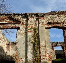 Sobków- ruina willi