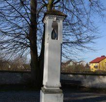Sobków- kapliczka kolumnowa