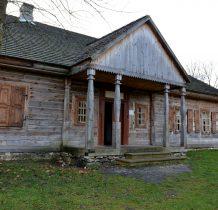Tokarnia-plebania z 1768r-jedyna drewniana plebania z XVIII w na kielecczyźnie