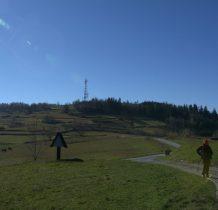 spotykamy tu niebieski szlak z Bieńkówki
