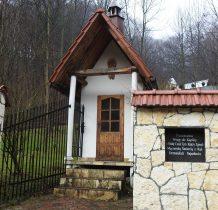 kapliczka ku pamięci mieszkańców pomordowanych w czasie II wojny