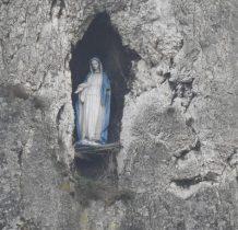kapliczka w otworze skalnym na Sokolicy