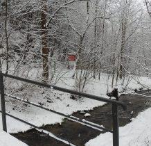 i kolejny mostek na potoku