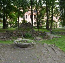 Wołów-park przypałacowy