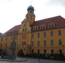 Wołów-zamek piastowski z XIV wieku