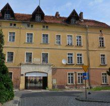 Wołów-do kościoła przylega klasztor