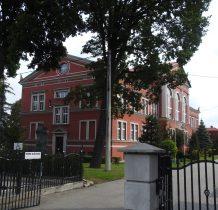 Wołów-budynek przekazano gimnazjum  w 1877 roku