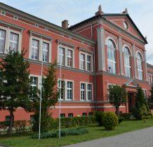 Wołów-majestatyczny budynek