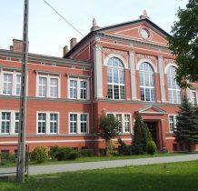Wołów-budynek ocalał w czasie wojny