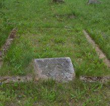 Stary Wołów-cmentarz ewangelicki przy cerkwi