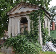 Dłużyce-kaplica grobowa